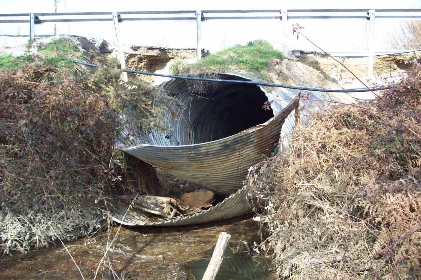 Etude d'une buse métalique effondrée dans le cadre d'un dossier Loi sur l'Eau